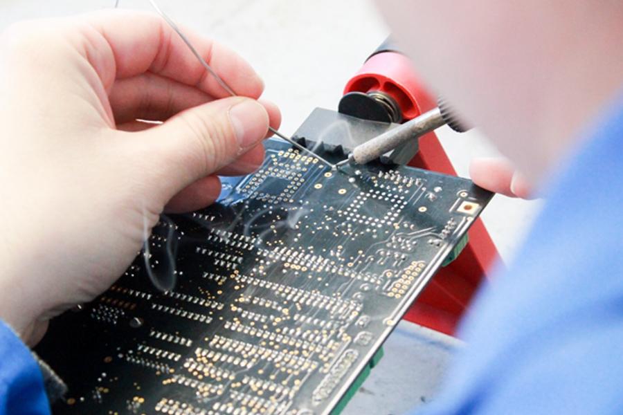 Herstellung elektronischer Bauteile
